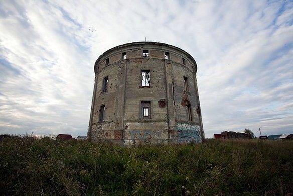 История этой постройки тесно